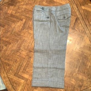 3/$20{The Limited}Sz 4 Cassidy Fit Long GrayShorts